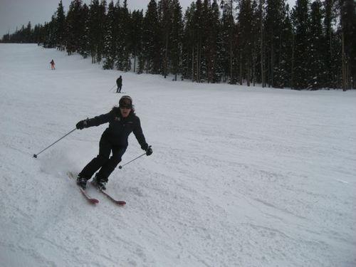 Sarah_skiing
